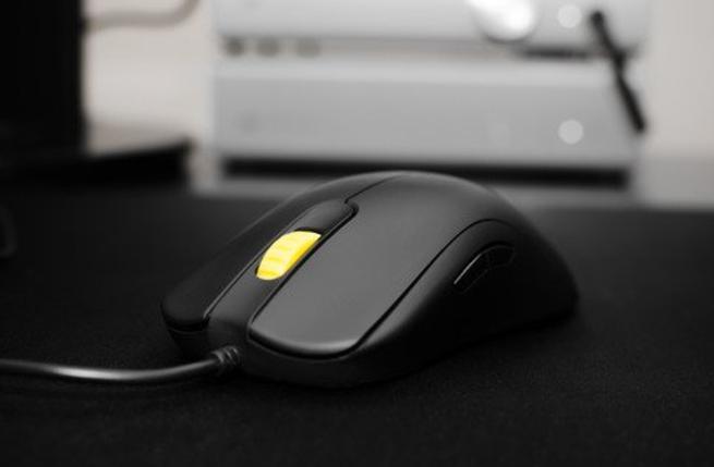 BenQ ZOWIE FK1 fingertip mouse